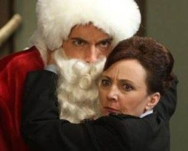 Chuck - Chuck Vs. The Santa Suit