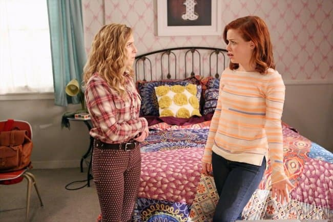 Suburgatory 2.21 Sneak Peeks: The Rift Between Tessa and Dalia Widens