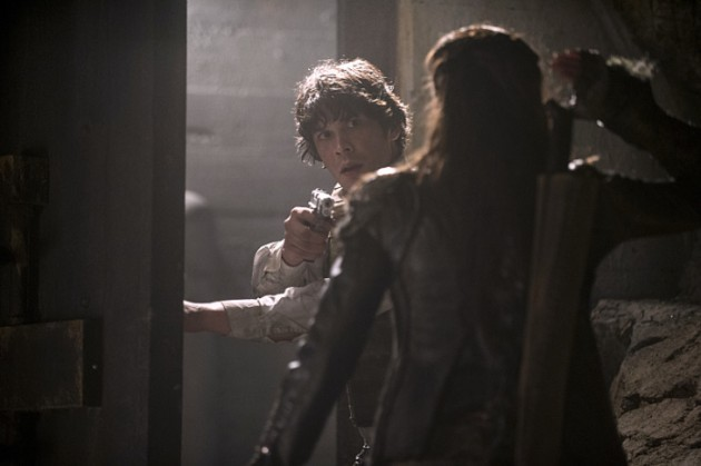 The 100 Season 2 Finale Photos: Will Clarke Be Able to Save