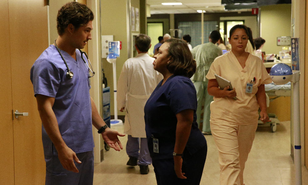 "Grey\'s Anatomy Season 12 Episode 8 Review: ""Things We Lost in the Fire"""