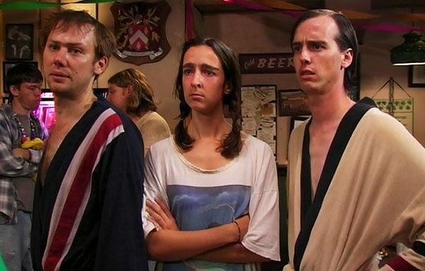 its-always-sunny-in-philadelphia-season-2-9-charlie-goes-america-all-over-everybodys-ass-mcpoyle-brothers-and-sister-nate-mooney-jimmi-simpson.jpg