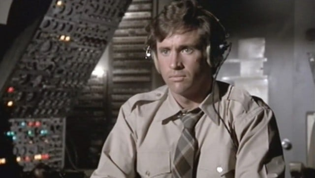 robert-hays-as-ted-striker-in-airplane-1980