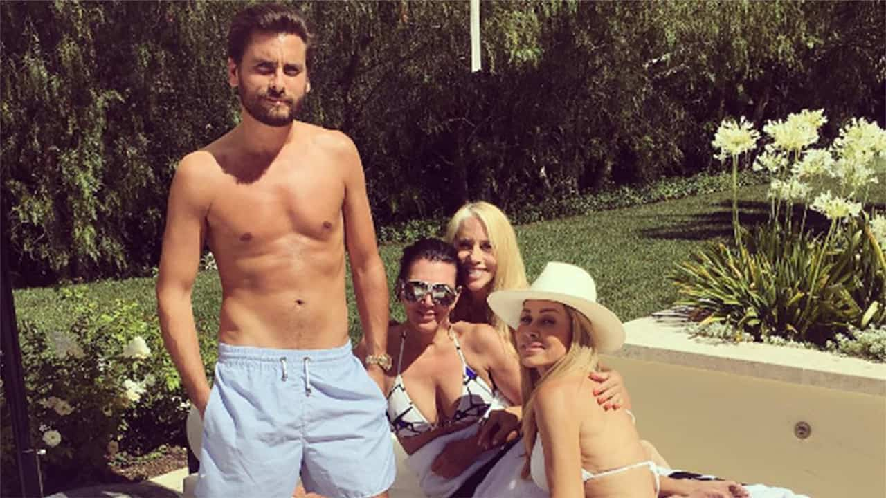 Scott Disick Cars 2017 >> Kris Jenner Producing New House Flipping Show Starring Scott Disick