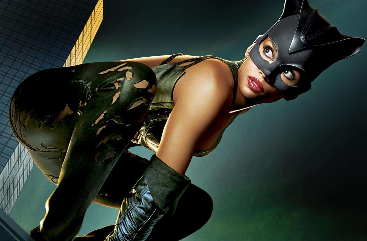 Halle Berry Handled Her Razzie For Catwoman Like A Champion Long
