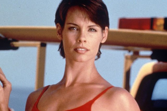 Alexandra Paul christine