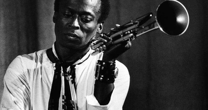 how the life and music of miles davis touched so many people Kind of blue is a studio album by american jazz trumpeter miles davis it is regarded by many critics as jazz's greatest record, davis's masterpiece, and one of the best albums of all time its influence on music, including jazz, rock, and classical genres, has led writers to also deem it.