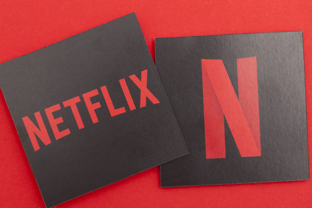 netflix and chill 5 must stream movies coming to the streaming service in january 2019. Black Bedroom Furniture Sets. Home Design Ideas