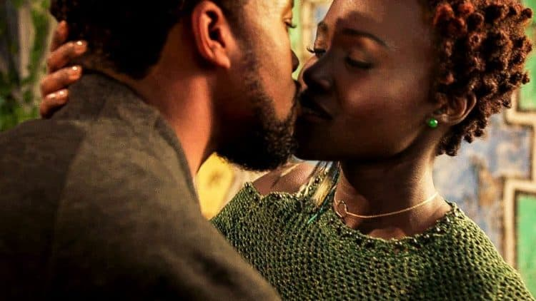 T'Challa and Nakia kiss